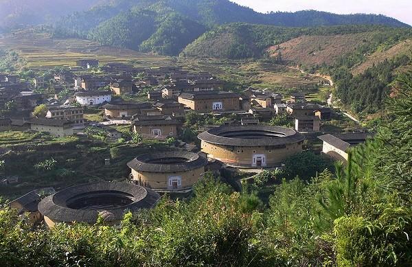 Trung Quốc: Bí ẩn tiểu vương quốc gia đình