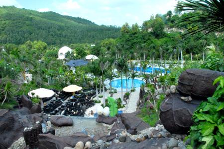 Tắm bùn khoáng thiên nhiên - đặc sản du lich Nha Trang