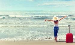Con gái và những vật dụng không thể thiếu khi đi du lịch