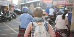 Những bất tiện của phụ nữ khi đi du lịch