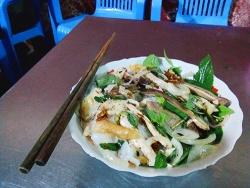 Bạn đã thưởng thức bánh ướt lòng gà khi đi du lịch Đà Lạt chưa?
