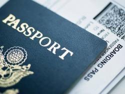 Để hộ chiếu không thất lạc trong mỗi chuyến đi