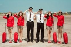 Tiếp viên hàng không sắp xếp hành lý gọn gàng như thế nào?