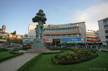 Tour Đà Lạt: Thiền Viện Trúc Lâm - Thác Đantala - Thung Lũng Tình Yêu