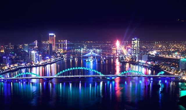 Đà Nẵng về đêm - Du lịch miền Trung con đường di sản