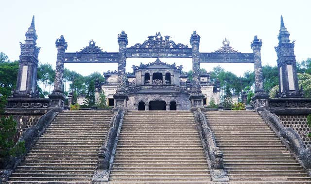 Lăng Khải Định - Tham quan cố đô Huế
