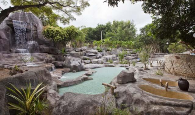 Tắm bùn khoáng tại Nha Trang