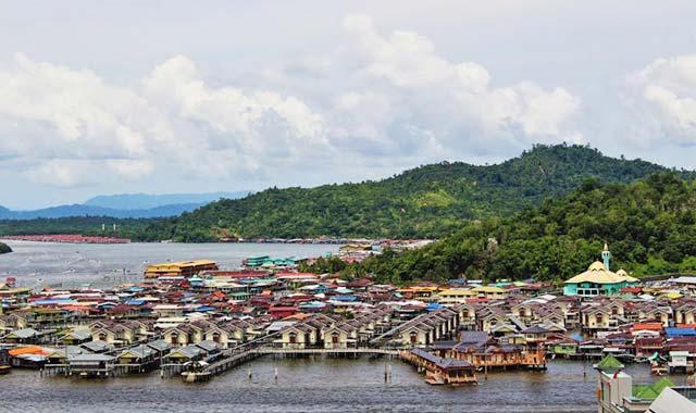Làng nổi Kampong Ayer Brunei