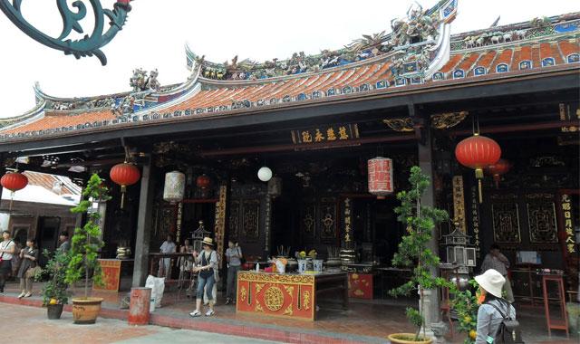 đền thờ linh thiêng