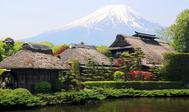 Tham quan làng văn hóa Oshino Hakkai - Tour du lịch Nhật Bản 6N5Đ Cholontourist