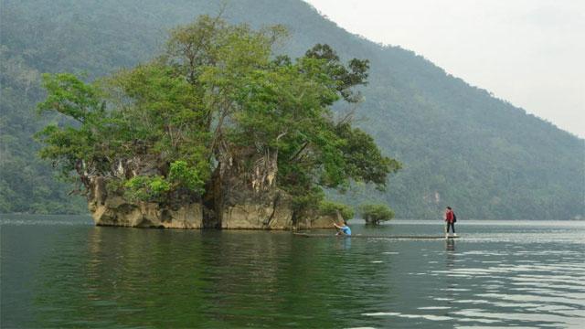 Hồ Ba Bể Bắc Kạn - Tour du lịch Đông Bắc 7 ngày 6 đêm Cholontourist