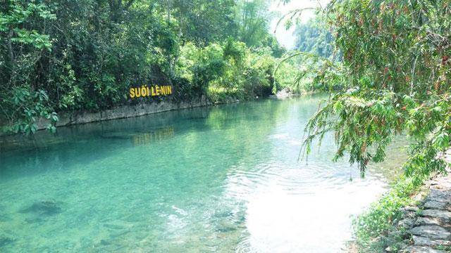Khu di tích cách mạng Pắc Pó suối Lê Nin Cao Bằng - Tour du lịch Đông Bắc 7 ngày 6 đêm Cholontourist