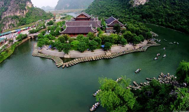 Tràng An Ninh Bình - Tour du lịch miền Bắc 5 ngày 4 đêm Cholontourist