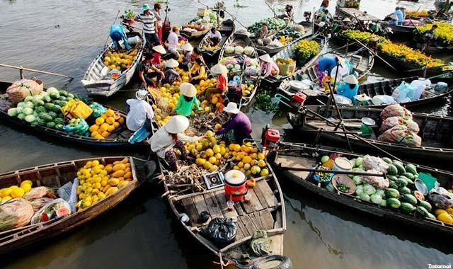Chợ nổi Cái Bè Tiền Giang - Tour du lịch miền Tây 4 ngày 3 đêm - Cholontourist