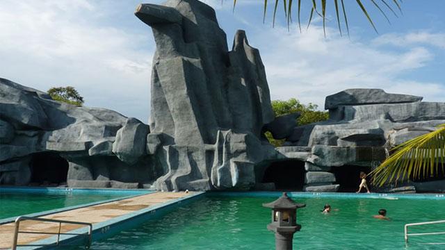 Hồ bơi resort 4 sao ở Hồ Cốc - Tour du lịch Bình Châu Hồ Cốc 2 ngày 1 đêm