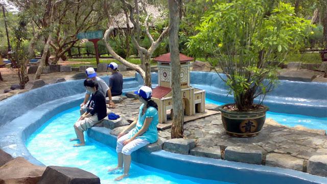 Ngâm chân nước ấm khu du lịch Bình Châu - Tour du lịch Bình Châu Hồ Cốc 2 ngày 1 đêm