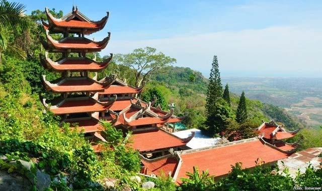 Núi Tà Cú Hàm Thuận Nam Bình Thuận - Tour du lịch Phan Thiết 2 ngày 1 đêm lễ 30/4