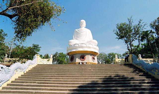 Long Sơn Tự - Tour du lịch Nha Trang Đà Lạt 5 ngày 4 đêm Cholontourist